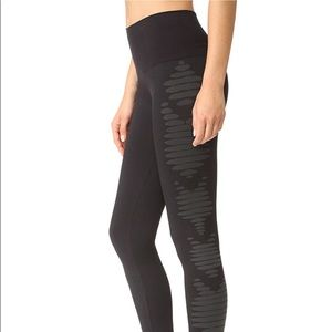 NWOT SPANX Aztedc stripe leggings size M